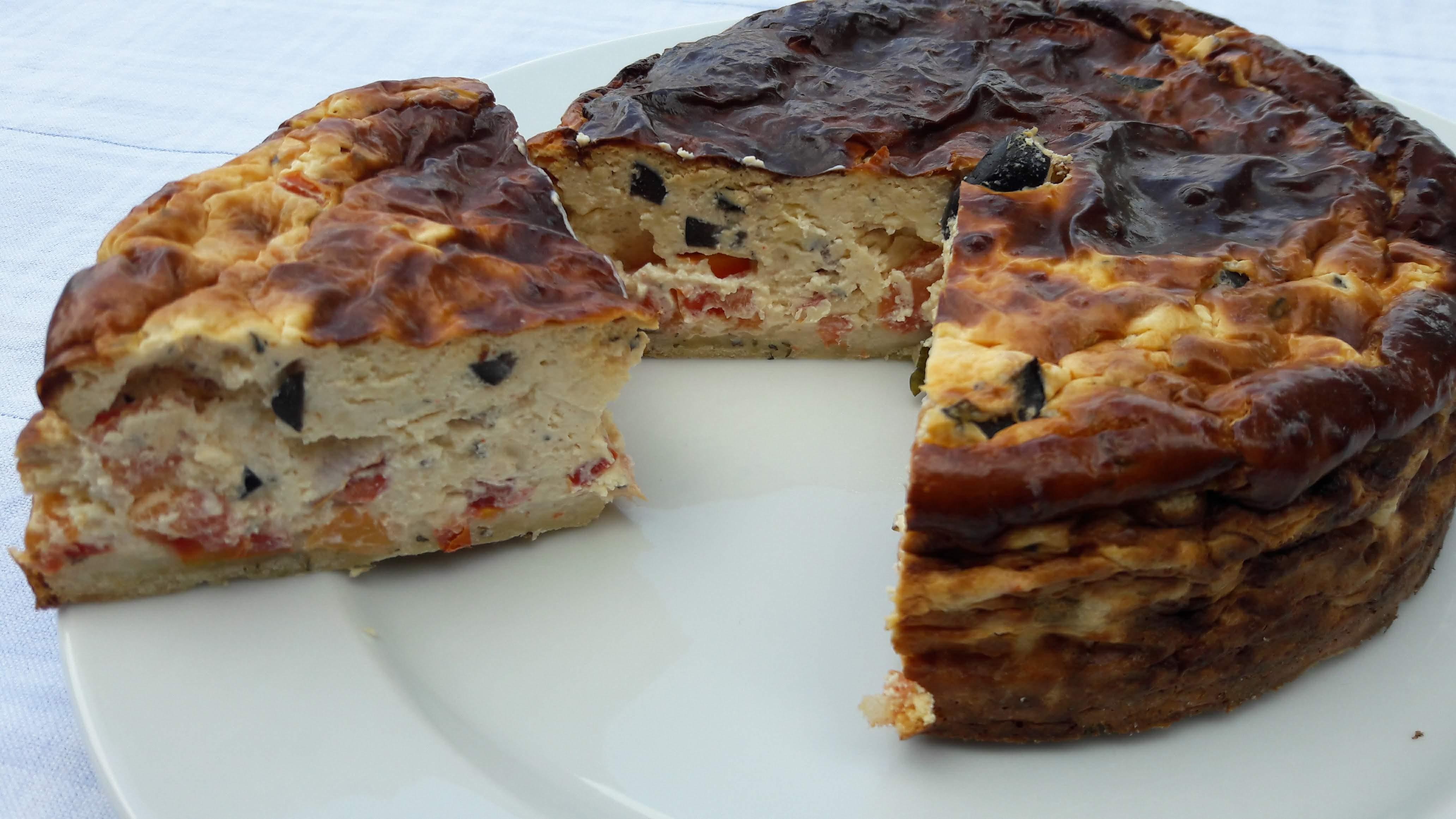 Hartige cheesecake met tomaat, basilicum en olijfjes (15 cm, 2 à 4 personen) Image