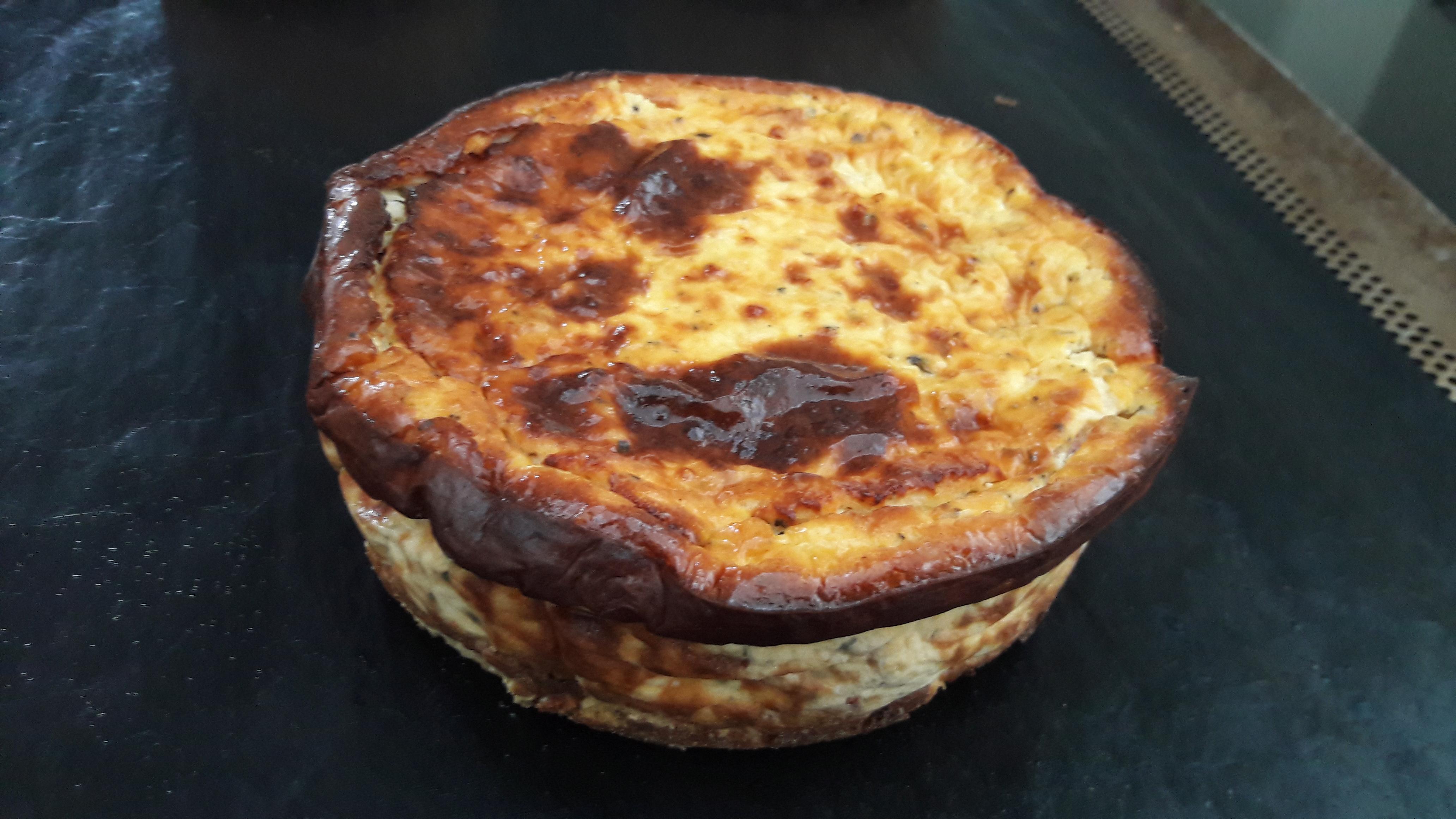 Hartige cheesecake met tomaat en basilicum (15 cm, 2 à 4 personen) Image