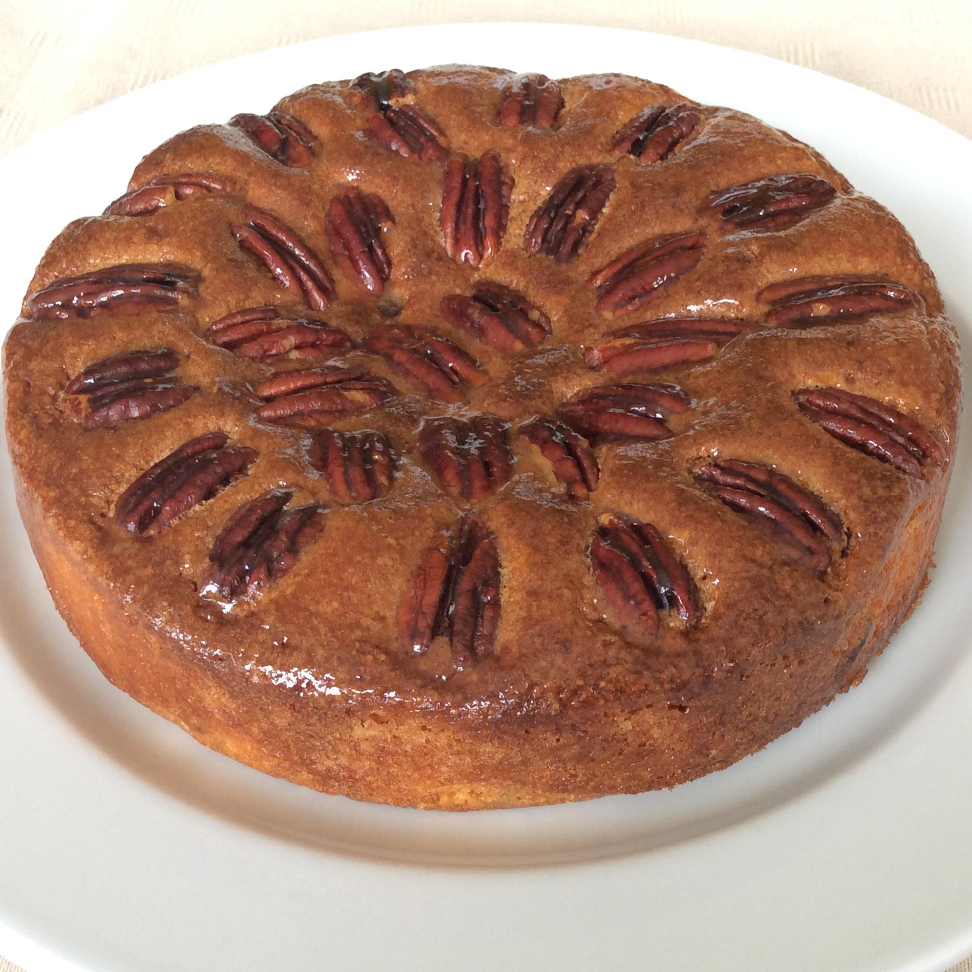 Amandelgebak met pecannoten (18 cm diameter) Image